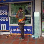 Video: ¿Por qué los bandidos no lograron romper el vidrio de la compraventa?