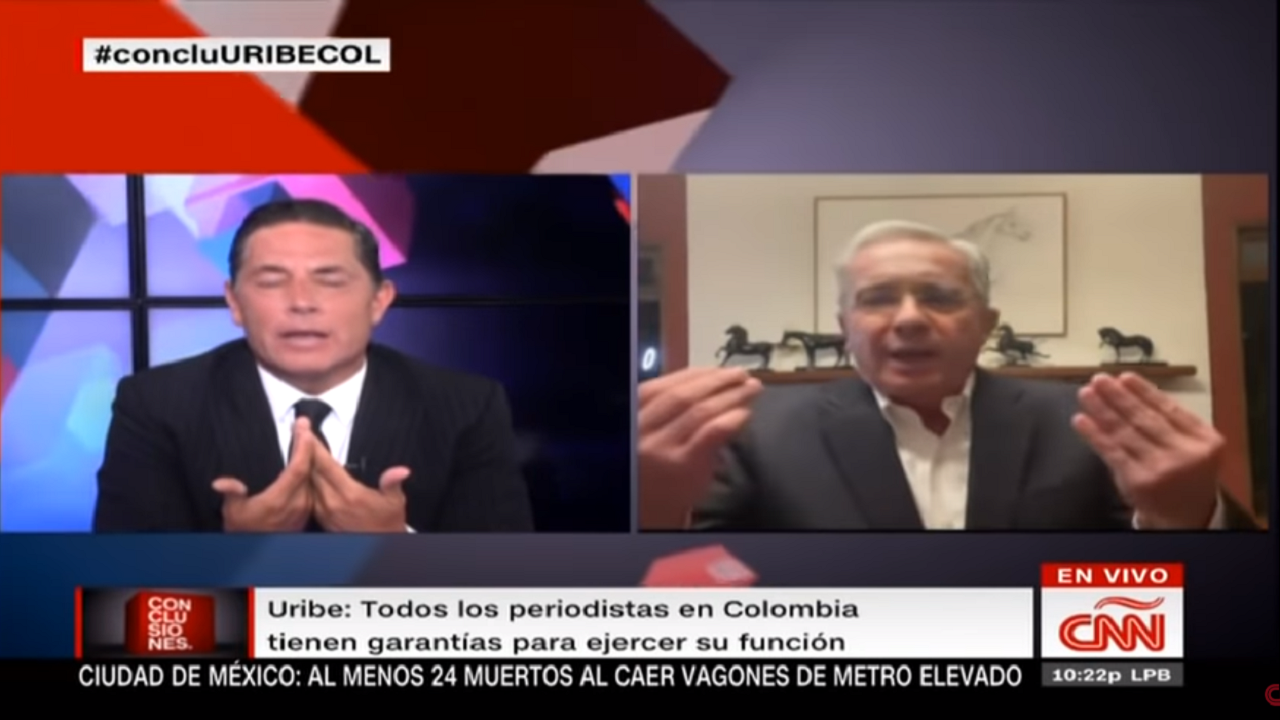 """Le respondo de todo, pero no con sus bravuconadas"": Álvaro Uribe a periodista de CNN"