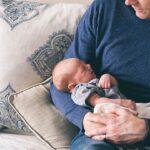 Licencia de paternidad se ampliaría a 2 semanas con extensión hasta 5